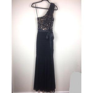 CACHE Dress One Shoulder Black/Nude Lace Gown 4